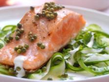Красная рыба с Зеленым перцем горошком