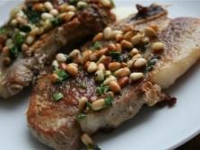 Мясо с кедровыми орешками