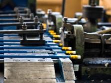 Производство карандашей из древесины сосны кедровой