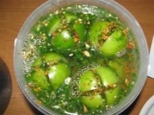 Зеленые помидоры с укропом