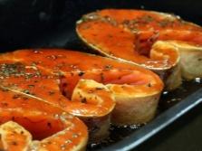 Миндальное масло лучше всего сочетается из рыбы с форелью