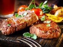 Мясное блюдо с миндальным маслом имеет очень изысканный вкус