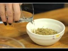 Подмывание ромашкой при зуде в интимных местах 49