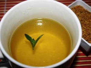 Желтый чай: виды, польза и применение