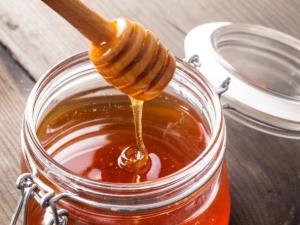 Дягилевый мёд: особенности и свойства продукта