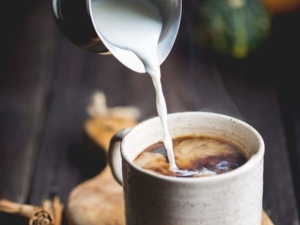 Кофе с молоком: польза и вред, приготовление
