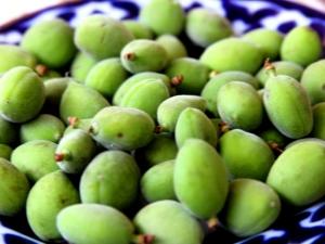 Зеленые абрикосы: особенности продукта и его использование