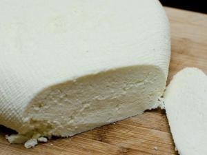 Как приготовить Российский сыр в домашних условиях?