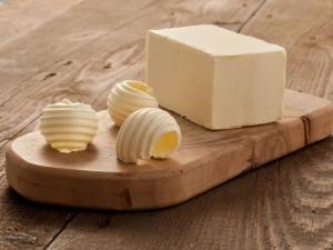 Как сделать сливочное масло из козьего молока?