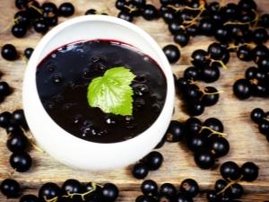 Как сварить джем из черной смородины?