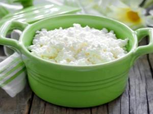 Кальцинированный творог: польза и вред, домашние рецепты
