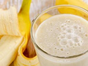 Кефир с бананом: свойства коктейля и рецепты