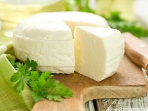 Адыгейский сыр: свойства, состав и калорийность