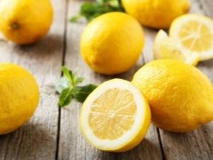 Употребляется ли корка лимона в пищу