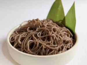 Гречневая лапша: как приготовить и какие блюда из нее можно сделать?