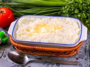 Каким должно быть соотношение риса и воды при приготовлении каши и плова?