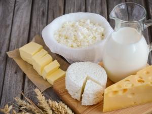 Молочные продукты: польза и вред, чем заменить и можно ли отказаться от них полностью?