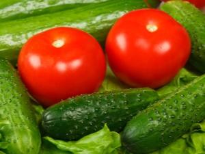 Можно ли есть свежие огурцы и помидоры при панкреатите?