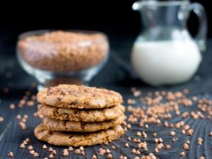 Популярные рецепты и правила приготовления печенья из гречневой муки
