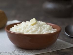 Рисовая каша на молоке: состав и калорийность