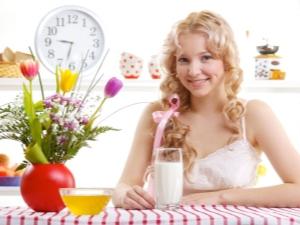 Употребление кефира на ночь: польза и вред, рецепты
