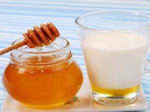 Как правильно принимать молоко с мёдом от боли в горле?