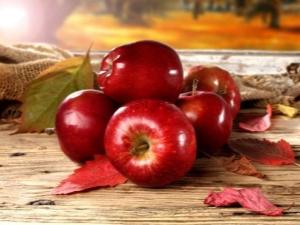 Классификация и описание красных сортов яблок