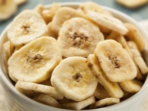 Сушеные бананы: свойства, правила употребления и приготовления