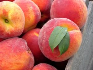 Сколько весит персик?