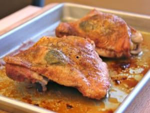 Как приготовить бедра индейки в духовке и какова их калорийность?