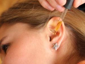Камфорное масло для ушей: инструкция по применению при отите и болях