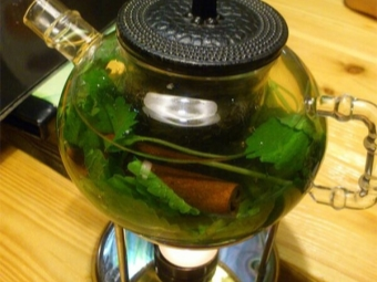 Чай с мелиссой и корицей