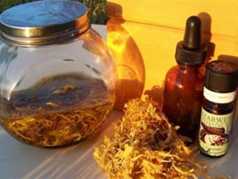 Настойка календулы с эфирным маслом календулы