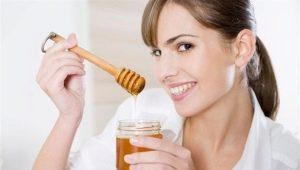 Мёд на ночь: польза и вред