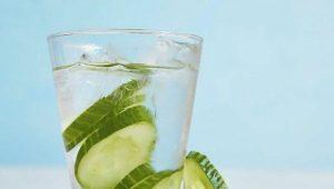 Огуречная вода: свойства и способы приготовления