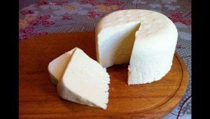 Как сделать сыр из простокваши домашних условиях?