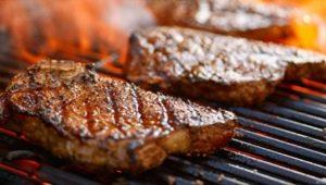 Какая часть туши называется говяжьим оковалком и что из нее готовят?