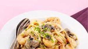 Как приготовить морепродукты в сливочном соусе?