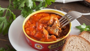 Килька в томатном соусе: свойства, тонкости выбора и приготовления