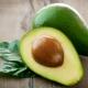 Косточка авокадо: из чего состоит, стоит ли употреблять в пищу и что можно из неё сделать?