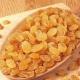 Свойства и калорийность белого изюма