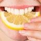 Является ли лимон фруктом, сколько граммов в день его можно съесть и как применять?