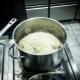 Как правильно варить рис в кастрюле?