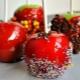 Как приготовить яблоко в карамели на палочке?