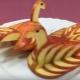 Как сделать лебедя из яблок?