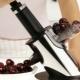 Приборы для удаления косточки из вишни