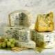 Сыр с голубой плесенью: как правильно есть, польза и вред, разновидности