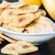 Банановые чипсы: калорийность, польза и вред, рецепты приготовления