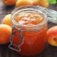 Как приготовить повидло из персиков?