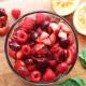 Список и особенности фруктов красного цвета